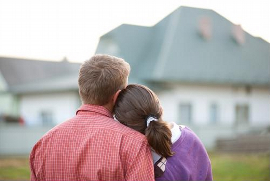 Here-are-a-few-factors-to-consider-before-purchasing-your-first-home_423_40188266_0_14110085_500